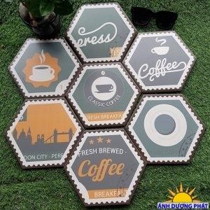 Gạch lục giác trang trí lát quán cafe