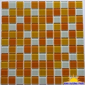 Gạch mosaic thủy tinh màu cam trắng