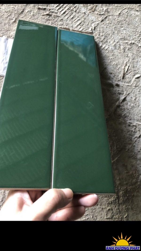 gạch thẻ xanh lục bảo  75x300