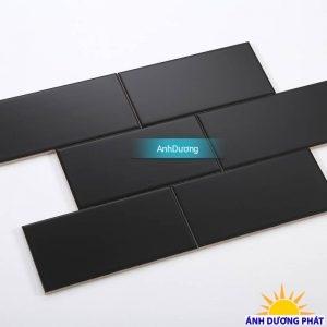 Gạch thẻ ốp tường màu đen mờ phẳng